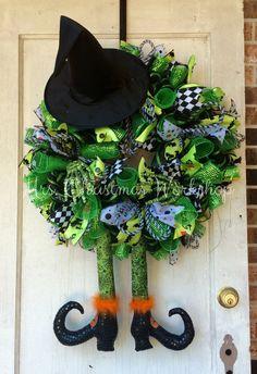 Halloween wreath deco mesh wreath witch by MrsChristmasWorkshop Holidays Halloween, Halloween Crafts, Halloween Decorations, Deco Mesh Wreaths, Holiday Wreaths, Fall Crafts, Holiday Crafts, Holloween Wreaths, Thanksgiving Wreaths