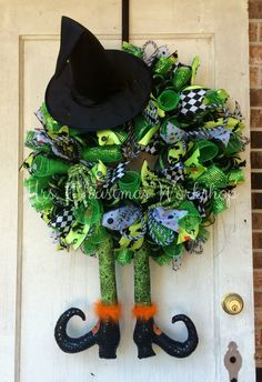 Halloween wreath deco mesh wreath witch by MrsChristmasWorkshop Deco Mesh Wreaths, Holiday Wreaths, Holiday Crafts, Wreath Crafts, Diy Wreath, Holloween Wreaths, Halloween Crafts, Halloween Decorations, Thanksgiving Wreaths