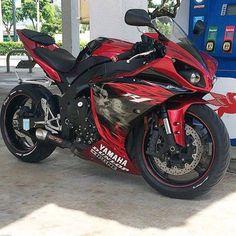 Bike Nations - Fails, Crash, Cops vs Bikers and much more! Yamaha R1, Yamaha Motorcycles, Motorcycle Style, Bike Style, Motorcycle Outfit, Kawasaki Bikes, Kawasaki Ninja, Custom Sport Bikes, Ride Out