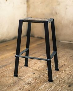 A great minimalist design, this wrought iron counter stool matches any type of décor. Order this versatile metal bar stool with a wood seat online today!