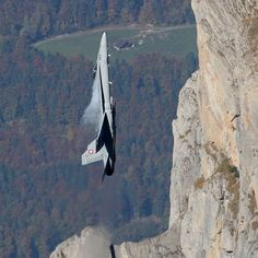 Hornet at Axalp Air Show, Swiss Air Forcethere is a better one of a fighter flying vertical to a high-rise building. Military Jets, Military Aircraft, Military Life, Air Fighter, Fighter Jets, Swiss Air, Jet Plane, Fighter Aircraft, Jets
