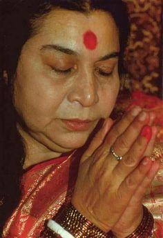 Jai shree mataji Sahaja Yoga Meditation, Aesthetic Galaxy, Shri Mataji, Best Resolution, S Pic, Desi Quotes, Truths, Beautiful, God