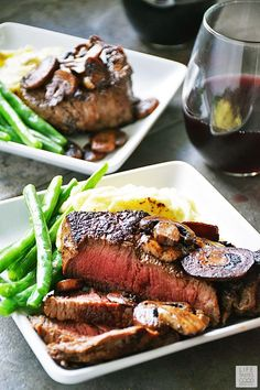 Pan Seared Sirloin Steak Dinner for Two just in time for Valentine's Day! This is the perfect meal for a romantic Valentine's Day dinner for two. It is easy to make and budget friendly too! I like that!