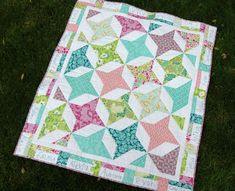 Friendship star blocks using half square triangles and squares. Love the colors of this quilt. Sweet for a new baby. Half Square Triangle Quilts Pattern, Half Square Triangles, Square Quilt, Squares, Star Quilts, Easy Quilts, Quilt Blocks, Star Blocks, Quilt Baby