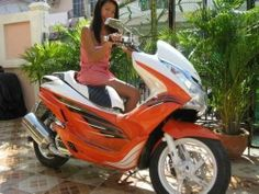 Click to close image, click and drag to move. Use arrow keys for next and previous. Boat Furniture, Motorcycle Bike, Arrow Keys, Motorcycles For Sale, Close Image, Honda, Thailand, Ideas, Motorbikes