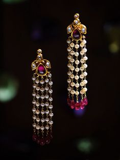 Ruby and Pearl Polki Gold Earrings Indian Jewelry Earrings, Jewelry Design Earrings, Gold Earrings Designs, Gold Jewellery Design, Designer Earrings, Necklace Designs, Bridal Jewelry, Silver Jewelry, Mens Jewellery