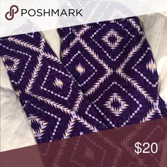 LuLaRoe leggings TC These are purple leggings from LuLaRoe size TC (Tall and Curvy) said to fit size 10 to 22. They are very comfortable and soft material. LuLaRoe Pants Leggings