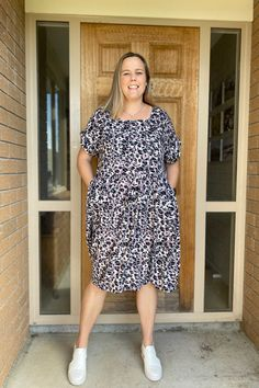 Olive Dress, Gathered Skirt, Different Fabrics, Peplum, Summer Dresses, Pattern, Tops, Design, Fashion