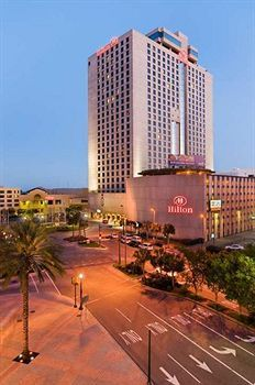 Hilton New Orleans Riverside, New Orleans - Dragos, LOVE the bar, Great room and location!