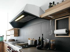 Wooden fitted kitchen with island SineTempore New Mosaic by VALCUCINE design Gabriele Centazzo