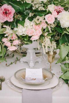 Ruffled - photo by http://www.kim-james.com/ - http://ruffledblog.com/neutral-bohemian-wedding-editorial | Ruffled
