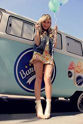 Joicy  Muniz - Ow Line Vest, Ow Line Shirt, Ow Line Skirt, Riachuelo Socks, Meia Sola Shoes - Candy Colors!