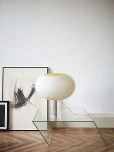 Spotted: Art on the floor l Lamp l Home decor l Interior design l Furniture Modern Interior Design, Interior Design Inspiration, Interior Styling, Interior Decorating, Furniture Inspiration, Modern Decor, Contemporary Design, Luminaire Vintage, French Art Deco