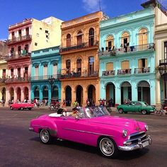 Cool #cars and vibrant colours. What's not to #love about #lahabana #cuba? #travel #explore #adventure #escapeordinary
