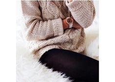 Image about fashion in le.b by leila on We Heart It Fall Winter Outfits, Winter Wear, Autumn Winter Fashion, Winter Clothes, Fashion Fall, Winter Stil, Cozy Winter, Winter White, Sweaters And Leggings