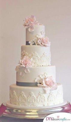 Searching for perfect wedding cake decorations? We have 40 great wedding cake ideas for you to choose from. Fancy Wedding Cakes, Wedding Cake Images, Wedding Cake Fresh Flowers, Floral Wedding Cakes, Wedding Cake Rustic, Wedding Cake Decorations, Beautiful Wedding Cakes, Wedding Cake Designs, Wedding Cake Toppers