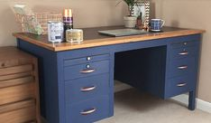 What a fantastic upcycle by Tina Patel! Chalky Finish in Ink Blue & Metallic Spray in Bright Copper Metal Desk Makeover, Desk Redo, Diy Desk, Furniture Makeover, Painted Metal Desks, Painted Furniture, Furniture Projects, Diy Furniture, Office Furniture