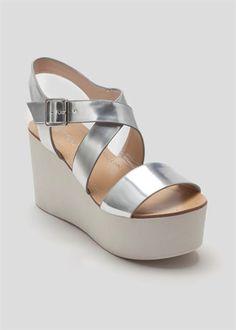 Wide Strap Flatform Sandal