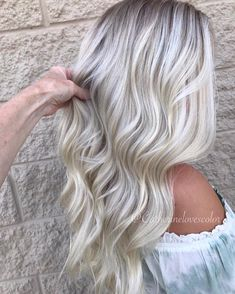Lace Frontal Gray Wig Black Girl Mommy Wig Remy Hair Bundles 20 Inch L – cressral Ice Blonde, Dark Blonde Hair, Platinum Blonde Hair, Blonde Wig, Blonde Hair For Fall, Long Weave Hairstyles, Pretty Hairstyles, Wedding Hairstyles, Fall Hairstyles