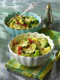 Unser beliebtes Rezept für Gemüse-Curry mit Kokosmilch und mehr als 55.000 weitere kostenlose Rezepte auf http://LECKER.de.