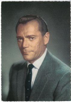 Eddie Constantine (1