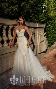 Your smile shines brighter than the sun ☀️ #katherinejoyce #weddingdresses #wedding #bride #weddingmood
