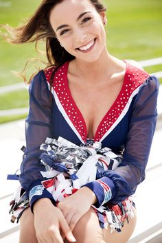 New England Patriots Cheerleaders, Football Cheerleaders, Cheerleader Images, Cheerleading Pictures, Boston Sports, Sports Illustrated, Female Athletes, Image Collection, Nfl
