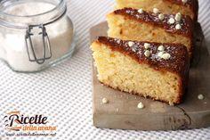 La torta al cocco, ricotta e cioccolato bianco è una torta davvero golosa. Lasciateviconquistare da questa torta in cui ingredienti come il cocco, il cioccolato bianco e la ricotta si fondono per creare un dolcedelicato e dal profumo irresistibile. Preparazione Lavorate le uova con lo zucchero. Aggiungete poi lo yogurt, la ricotta e il burro […]