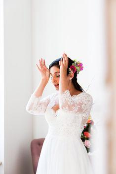 Mariage - Emmeline LEGRAND - Photographe Mariage et Lifestyle à Toulouse Legrand, Lace Wedding, Wedding Dresses, Photo Couple, Toulouse, Photos, Lifestyle, Fashion, Dress Ideas