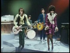 Small Faces - Tin Soldier (good quality) - Small Faces were an underrated yet very influential 60's band.  Members of this band created a few of the key 70's rock acts (Faces, Stones)