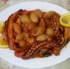 Χταπόδι στιφάδο !!! ~ ΜΑΓΕΙΡΙΚΗ ΚΑΙ ΣΥΝΤΑΓΕΣ 2 Yams, Black Eyed Peas, Family Meals, Healthy Dinner Recipes, Crockpot, Seafood, Food And Drink, Fish, Vegetables