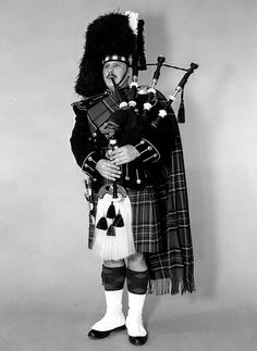 Canadian Guards, piper 1960s#0490 Canadian Army, British Army, Armies, Commonwealth, Military History, Pipes, Drums, 1960s, Contemporary