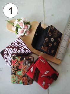 Souvenir dompet batik ini berukuran mini sehingga terlihat unik dan lucu. Mini, Porto, Souvenir