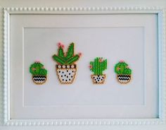 Vue rapprochée des Cactus Close-up view of Cactus Miyuki Beads, Fuse Beads, Hama Beads, Seed Bead Crafts, Seed Bead Jewelry, Bead Loom Patterns, Beading Patterns, Rose Moustache, Kawaii Diy