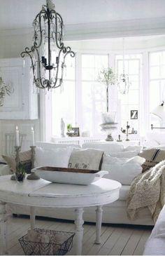 Shabby Chic calm white on white room