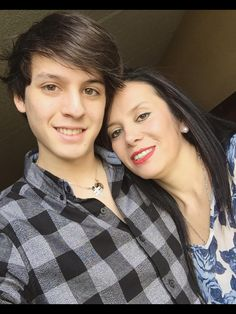 Christopher y su mama My Love, Celebrities, Auryn, Spain, Instagram, Thank God, Love Of My Life, Bonbon, Vestidos