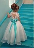 comprar Atractiva tul escote redondo A-Line Vestidos de noche con apliques moldeados de encaje de descuento en Dressilyme.com