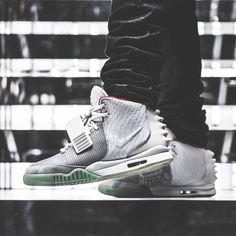cb1fa18db0a Nike Air Yeezy 2
