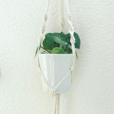 Suspension macramé en coton, pour pot de plante, bougie, au gré de vos envies... 80cm de hauteur environ.