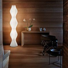 The Studio Italia Design Vapor floor lamp consists of white lamellas. This lamp has a height of 196 cm and a maximum width of cm. Room Lights, Wall Lights, Ceiling Lights, Luxury Lighting, Modern Lighting, Office Lighting, Lighting Design, Italia Design, Canopy Outdoor