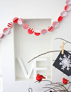 DIY Paper Garland | You can do wonders with paper strips!