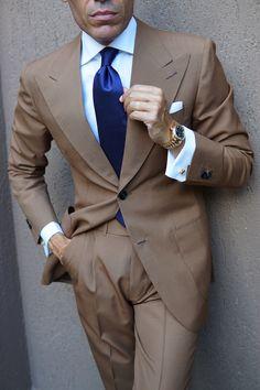 Burgundy Mini Dots on Navy Blue Necktie Mens Fashion Suits, Mens Suits, Suit Combinations, Classy Suits, Designer Suits For Men, Business Casual Outfits, Gentleman Style, Stylish Men, Rolex