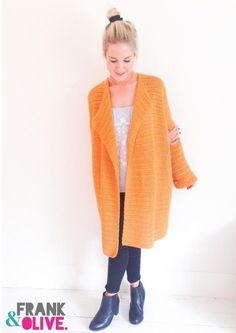 A Frank&Olive bestseller.A gorgeous all-year-round cardigan in a flattering oversized design. This stylish 100% cotton cover up is perfect for any weather, flatters all shapes and adds style to any outfit. Effortlessly on trend, a real statement piece.This pattern uses simple, easy to follow instructions in UK terms.