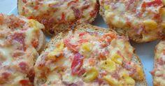 Pizzabrötchen / Gemüse-Schmand-Brötchen / Pizzasemmeln, ein Rezept der Kategorie Brot & Brötchen. Mehr Thermomix ® Rezepte auf www.rezeptwelt.de