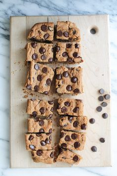 Peanut Butter Chocolate Chip Chickpea Cookie Bars #peanut #chocolate #dessert #vegan