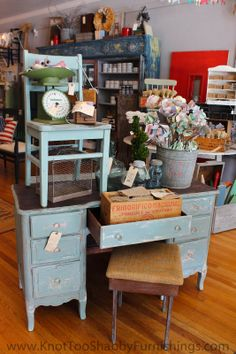 knot too shabby: Miss Mustard Seed's Milk Paint and Decorative Finishes Craft Booth Displays, Booth Decor, Store Displays, Display Ideas, Boutique Displays, Blue Distressed Furniture, Painted Furniture, Vintage Furniture, Diy Furniture