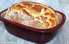 Brot backen kann relativ einfach sein. Hier habe ich ein lockeres, saftiges Brot für Euch. Innen ein wohlschmeckender, herrlich weicher Teig, aussen Sesam betonte Kruste.    Ihr b…