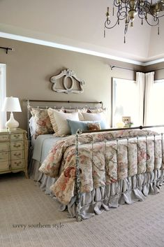 southern home decor Savvy Southern Style : The New Brass Bed Reveal French Country Bedding, Modern French Country, French Country Bedrooms, French Country Cottage, French Country Decorating, Country Bathrooms, Country Farmhouse, French Style, Savvy Southern Style