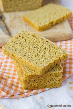 Leftovers from Thanksgiving? Toast up a few slices of this #glutenfree pumpkin sandwich bread and make the most delicious, autumn-inspired sandwich ever!