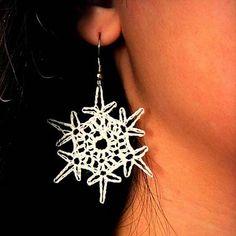 Simple Snowflake Earrings :: Free Crochet Thread Earrings Roundup on Moogly Crochet Earrings Pattern, Crochet Snowflake Pattern, Crochet Snowflakes, Crochet Doilies, Crochet Flowers, Crochet Ornaments, Knitting Patterns, Crochet Patterns, Doily Patterns